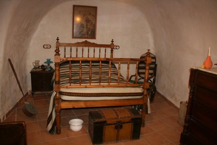 Dormitorio de la Cueva Museo
